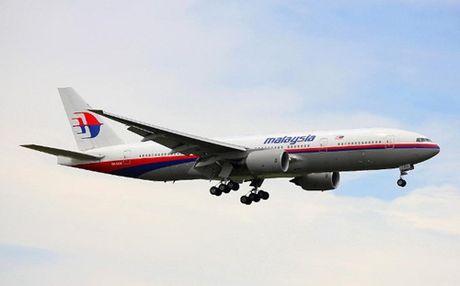MH370 khong co nguoi dieu khien khi lao xuong bien - Anh 1