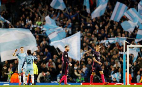 Man City 3-1 Barcelona: Thua doi chan hay loi tai cai dau - Anh 1