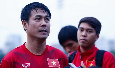 HLV Huu Thang: 'DT Viet Nam khong phu thuoc vao bat cu ca nhan nao' - Anh 1