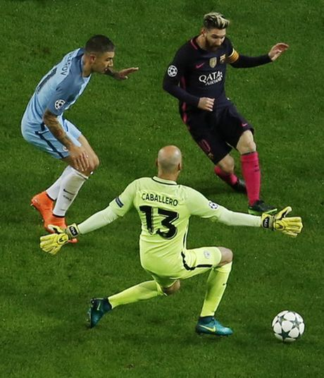 Man City lan dau ha guc Barcelona - Anh 2