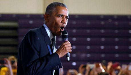 Obama nhan nhu cu tri dep 'tu ai dan ong', chon ba Clinton - Anh 1