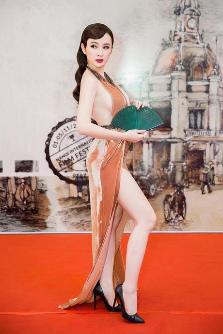 Angela Phuong Trinh dien dam xe tao bao, gay nao loan tham do lien hoan phim - Anh 7