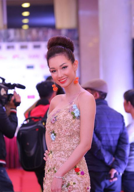 Sao Viet hoi tu tren tham do Lien hoan phim Quoc te Ha Noi - Anh 8