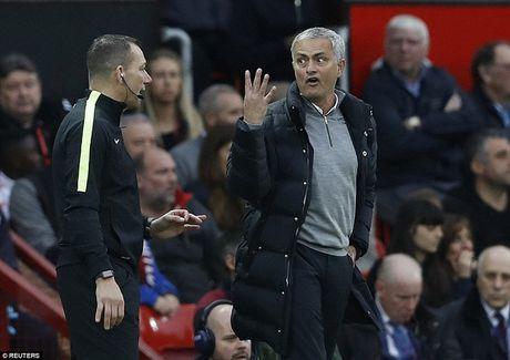Mourinho nhan an kep tu Lien doan bong da Anh (FA)? - Anh 1