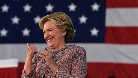 Tin cuoi ngay: Ngay bau cu toi gan, Hillary Clinton - Donald Trump deu gap kho - Anh 1