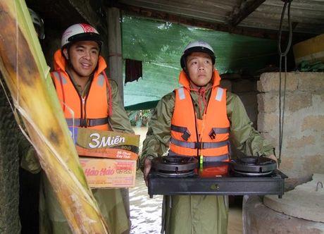 Cong an tinh Quang Binh cung nhan dan chong lu - Anh 4