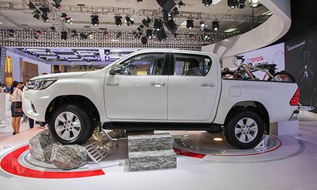Toyota Hilux 2016 vua chot gia 697 trieu co gi dac biet? - Anh 2
