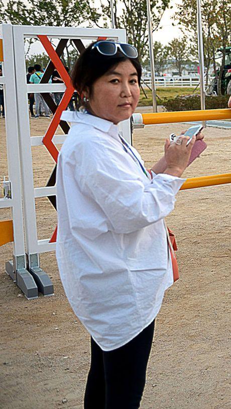 Tong thong Han Quoc bi vay tu phia - Anh 2