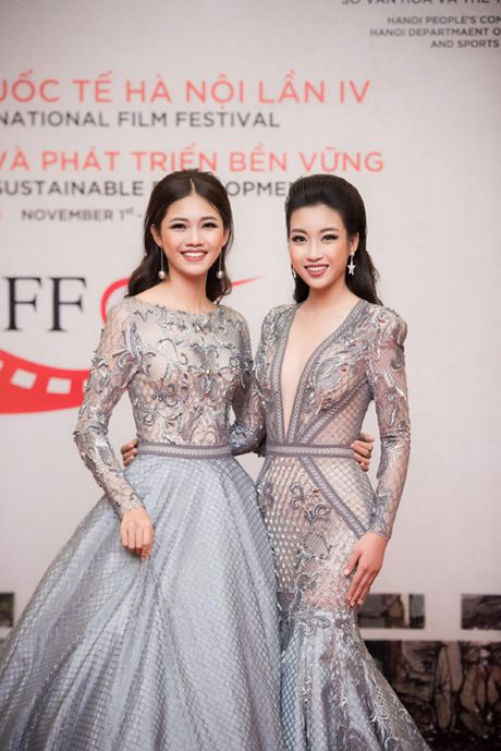 Hoa hau My Linh, A hau Thanh Tu mac do doi 'do sac' hap dan - Anh 1