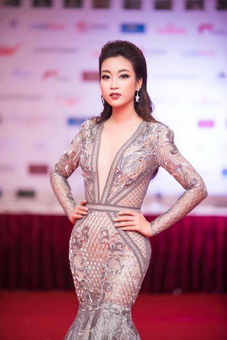 Hoa hau My Linh, A hau Thanh Tu mac do doi 'do sac' hap dan - Anh 4