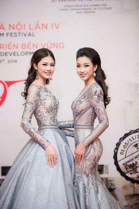 Hoa hau My Linh, A hau Thanh Tu mac do doi 'do sac' hap dan - Anh 6
