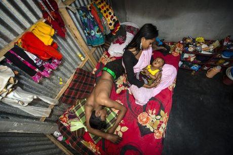 Ben trong nha tho 200 nam tuoi o Bangladesh - Anh 12