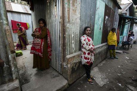 Ben trong nha tho 200 nam tuoi o Bangladesh - Anh 2