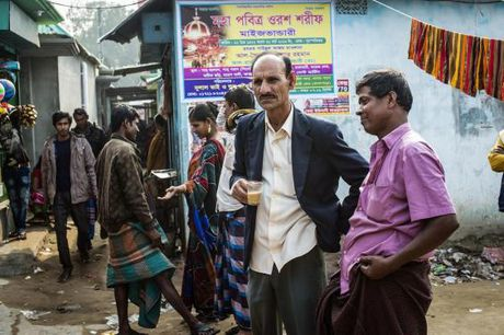 Ben trong nha tho 200 nam tuoi o Bangladesh - Anh 6