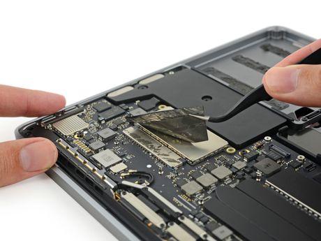 Mo MacBook Pro 2016: thay duoc SSD, RAM han chet, rat kho sua - Anh 8