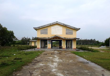TT - Hue: Lang phi cho xay xong bo hoang - Anh 1