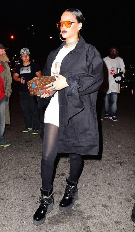 Rihanna chiu choi voi tui hieu 'doc' va dep - Anh 2