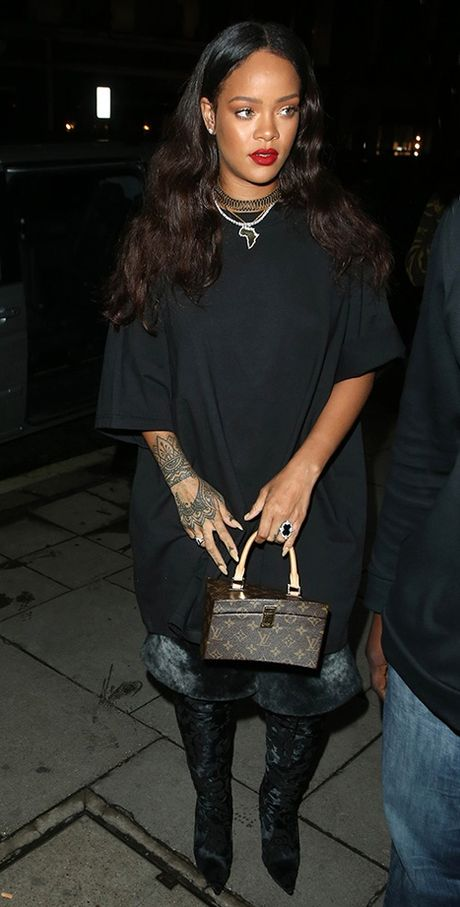 Rihanna chiu choi voi tui hieu 'doc' va dep - Anh 4