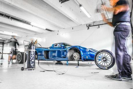 Xuat hien ban do cuc manh cua sieu xe Maserati MC12 VC - Anh 17