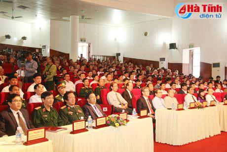 Trao tang Huan, Huy chuong nuoc CHDCND Lao cho can bo, chuyen gia tinh nguyen Viet Nam - Anh 2