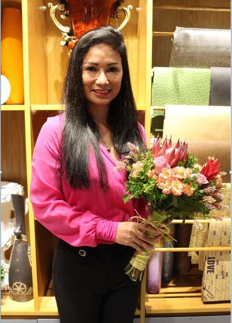 Ra mat shop hoa co thiet ke la mat Casablanca Flowers tai TP.HCM - Anh 1