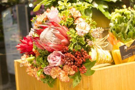 Ra mat shop hoa co thiet ke la mat Casablanca Flowers tai TP.HCM - Anh 5