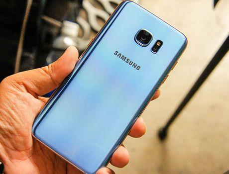 Galaxy S7 edge co them phien ban mau xanh - Anh 1