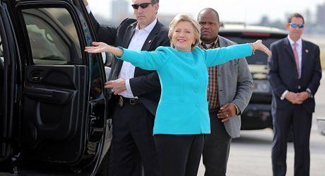 Ba Hillary Clinton da chuan bi san phao hoa o New York de an mung thang cu? - Anh 1