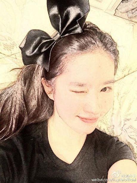 Dan Han noi Song Seung Hun khong xung voi Luu Diec Phi nho anh mat moc nay - Anh 2
