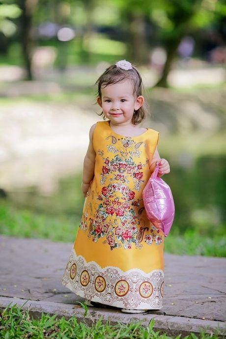 Nhoc ty lai My khoe phong cach thoi trang sanh dieu nhu fashion icon - Anh 1