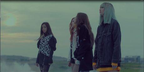 Da mat voi loat trang phuc cua 4 co gai Black Pink trong 2 MV comeback - Anh 1
