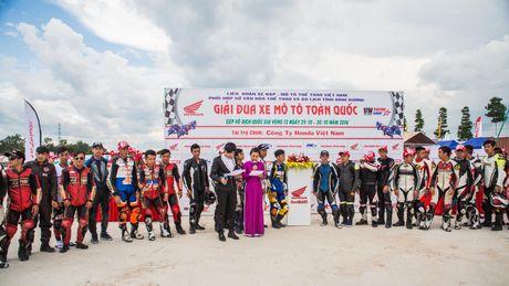 Soi dong giai dua xe Honda Viet Nam tai Binh Duong - Anh 1