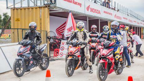 Soi dong giai dua xe Honda Viet Nam tai Binh Duong - Anh 3