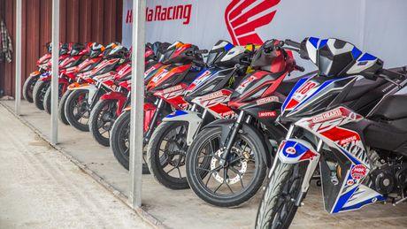 Soi dong giai dua xe Honda Viet Nam tai Binh Duong - Anh 4