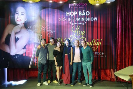Quan quan Vietnam Idol Janice Phuong gioi thieu minishow dau tien tai Ha Noi - Anh 5