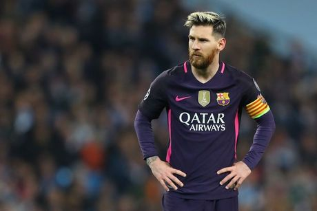 Messi doi an thua du voi cau thu Man. City? - Anh 1