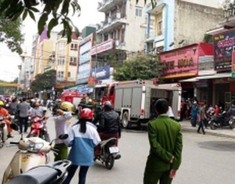 Nhanh chong dap tat cac dam chay o TP Thanh Hoa - Anh 1
