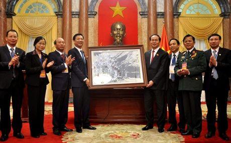 Chu tich nuoc gap mat than mat Doan dai bieu tinh Quang Ninh va nganh Than - Anh 1