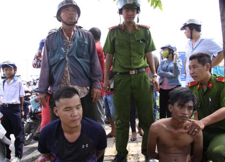 Tom 2 ten cuop sau 15 km truy duoi tren cao toc Trung Luong - Anh 1