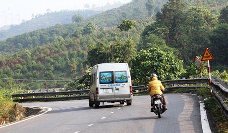 Da lap dat hoan chinh 16 guong cau loi tren deo Bao Loc - Anh 1