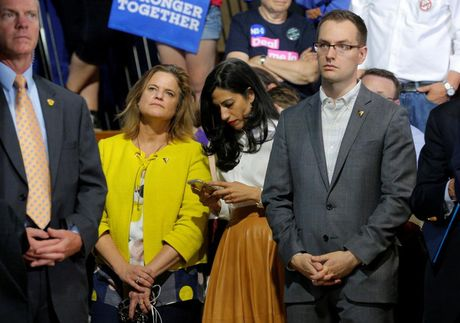 Nhung guong mat chu chot trong bo may tranh cu cua Hillary Clinton - Anh 12