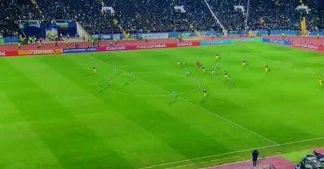 10 khoanh khac VANG trong tuyet pham cua Mesut Oezil vao luoi Ludogorets - Anh 1