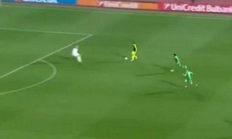 10 khoanh khac VANG trong tuyet pham cua Mesut Oezil vao luoi Ludogorets - Anh 2