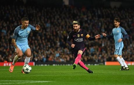 TIET LO: Aguero da co ngan Messi au da voi cau thu Man City - Anh 1