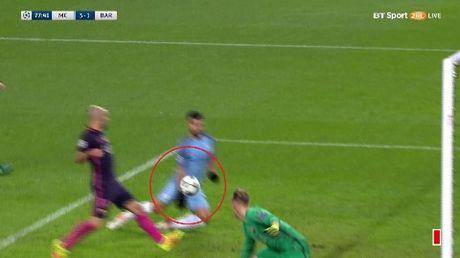 TIET LO: Aguero da co ngan Messi au da voi cau thu Man City - Anh 3