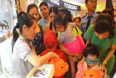 Halloween tung bung tai Phu My Hung - Anh 7