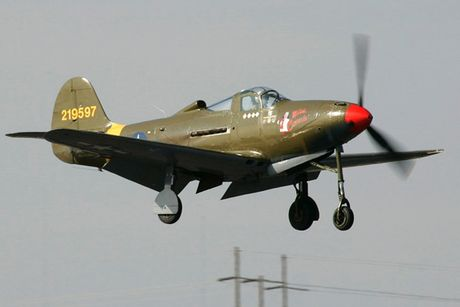 Can canh may bay tiem kich Bell P-39Q Airacobra duoc nhieu nuoc dung - Anh 5