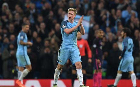 Cham diem Man City 3-1 Barca: Kevin de Bruyne che mo Messi - Anh 11