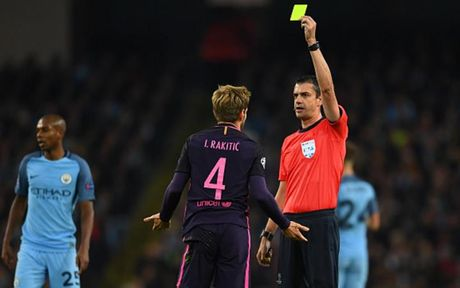 Cham diem Man City 3-1 Barca: Kevin de Bruyne che mo Messi - Anh 19