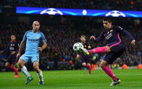 Cham diem Man City 3-1 Barca: Kevin de Bruyne che mo Messi - Anh 23
